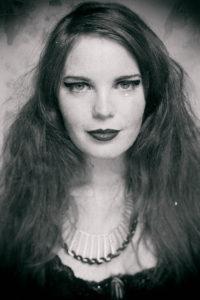 Jen Kingwell-headshot-Gee-Greenslade-web